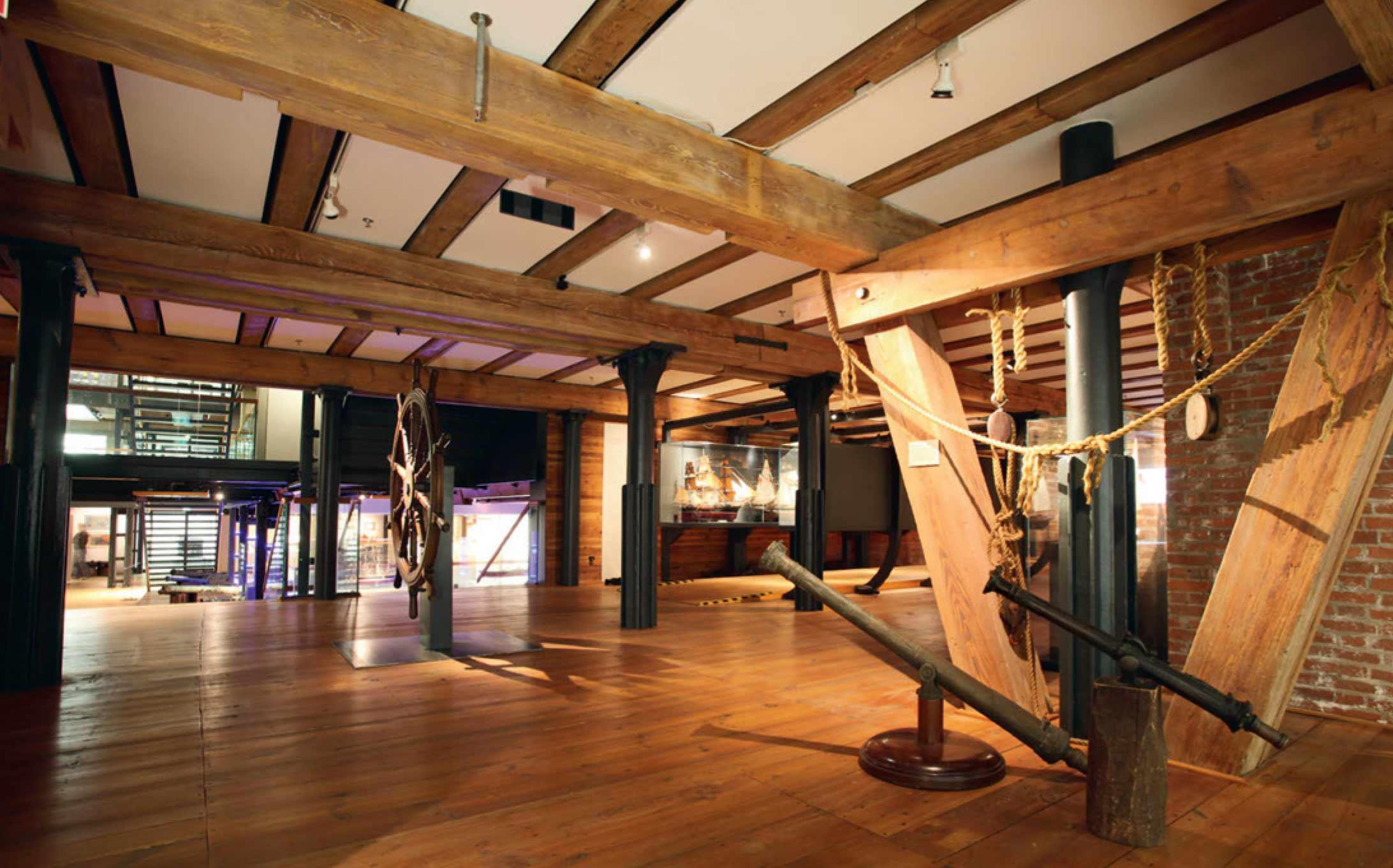 Vă doriți o casă din lemn? Nu uitați cât de importantă este protecția la foc!