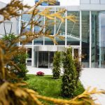 The-Globalworth-Tower,-Record,-usi-rotative-automate,-Blasi,-Aluterm,-Bucuresti,-Bucharest-One-(3)