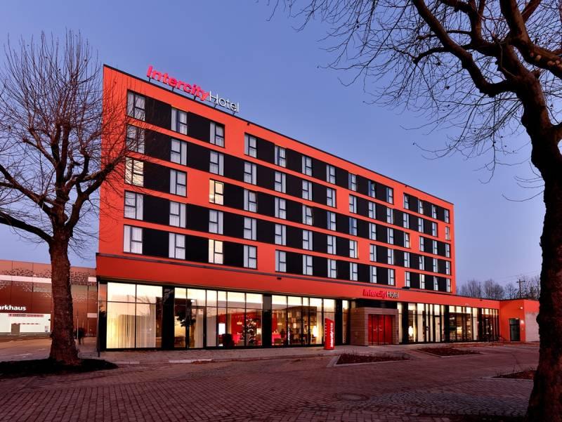 """Häfele – simplitate și """"zero design"""" în cel mai recent proiect architectural, IntercityHotel din Germania"""