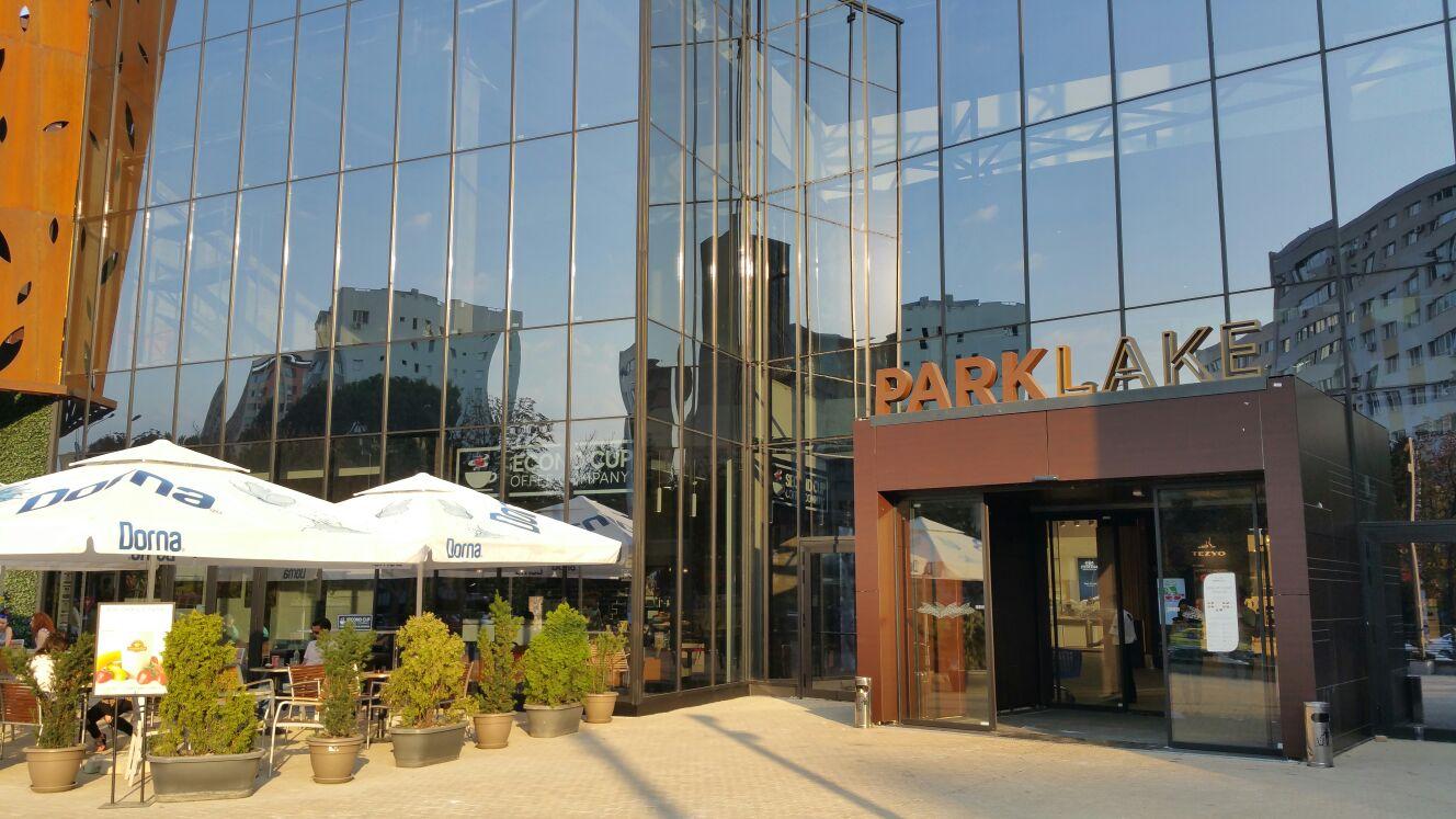 GEZE a echipat ParkLake Plaza cucele mai performante sisteme șitehnologii pentru uși
