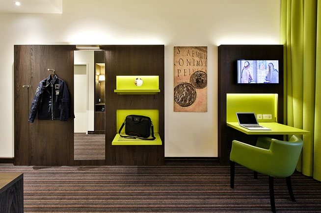 H 228 Fele Space Saving Interior Solutions In The Hotel Ibis
