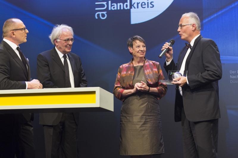 Plusenergieschule erhält Deutschlands bedeutendsten Architekturpreis für nachhaltiges Bauen