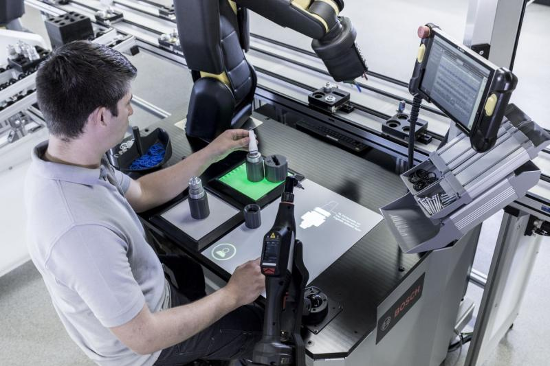 Hannover Messe 2017- Bosch transformă roboții în colegi