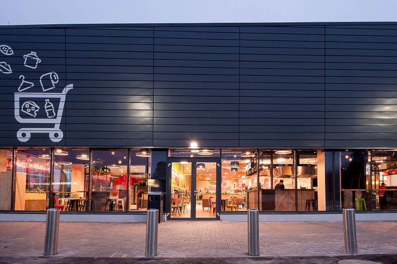 Kaufland reînnoiește magazinele din Iași și aduce cele mai noi formate, cu Food Court și Open Mall