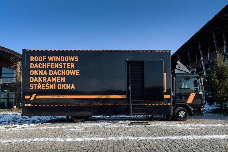 Camionul Dakea, în vizită pentru prima dată în România